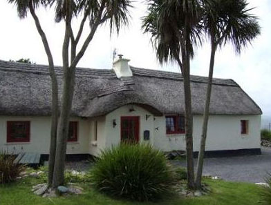 200 year old cottage, Dingle (pics from myhome.ie)
