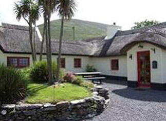 200yr old Cottage Dingle (pics from myhome.ie)