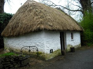 bothan-scoir-irish-cottage