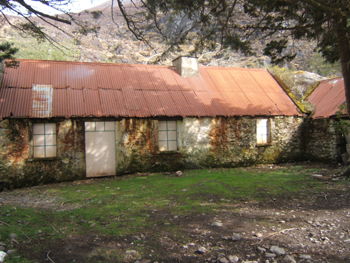 Tin roof cottage dunloe