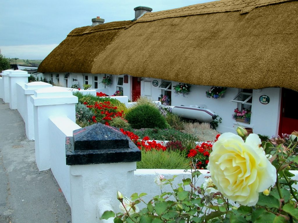 Irish cottage home cottageology irish cottages culture for Adare house