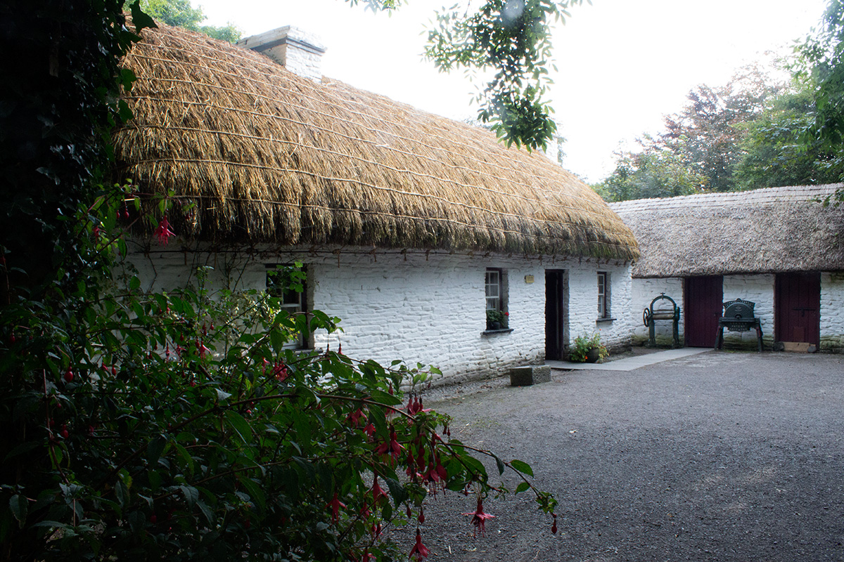 by bath cottage mod rent dublin in bed the cottages ireland no lake rooms to for sleep